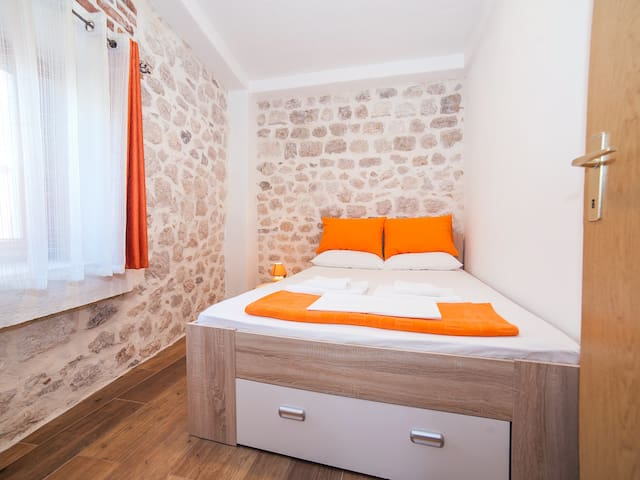 Apartments Ana - Comfort One Bedroom Apartment - Kotor - Hus