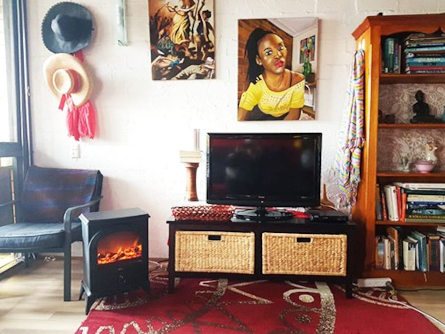 Electric woodfire heater