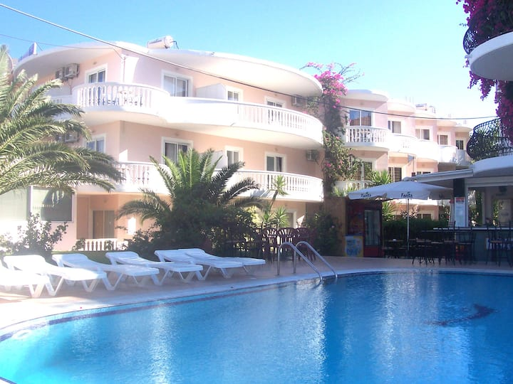White Palace Pavlos apartment