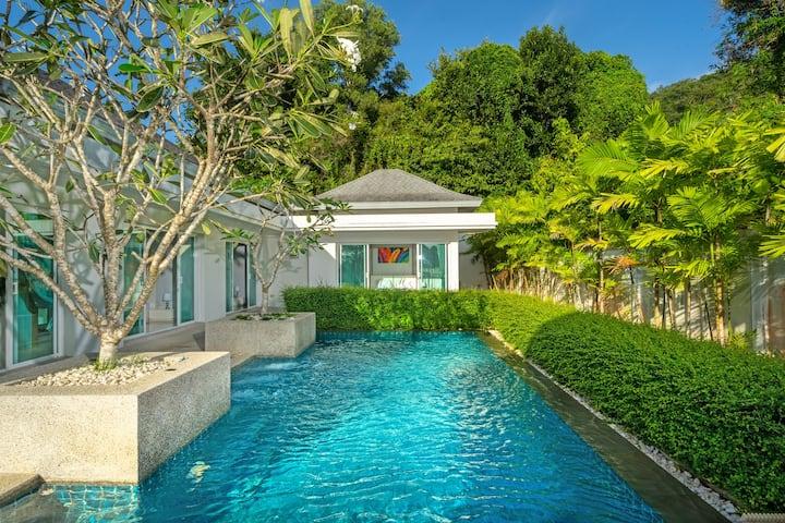 Botanical super lux private pool villa