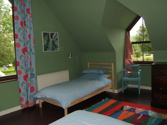Room 3 at Racquety Lodge - Powys