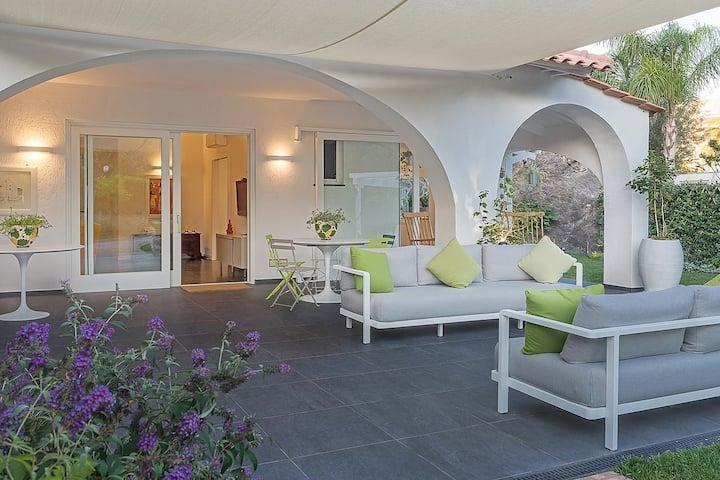 Villa di charme Ischia porto immersa  nel verde