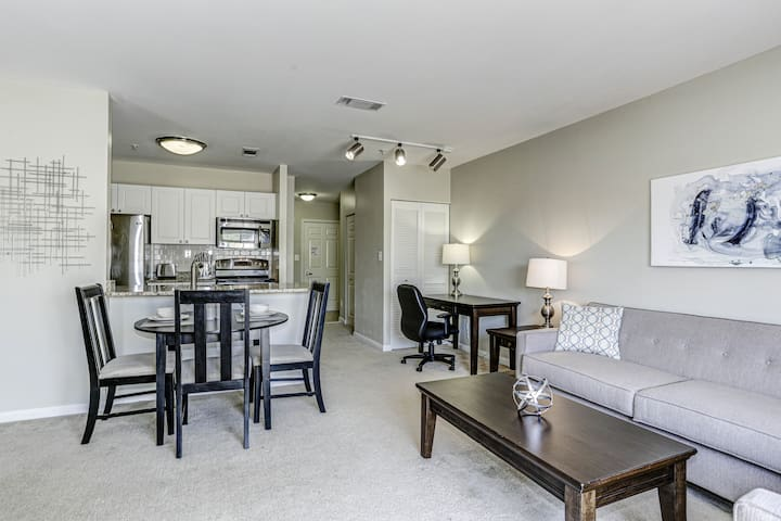 Stylish 1-bedroom in Clarendon!