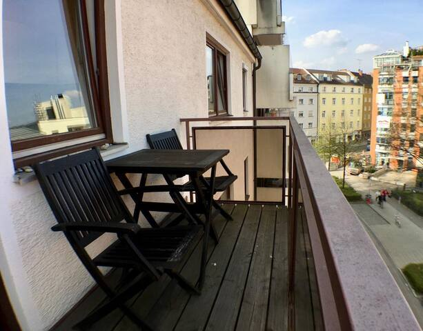 Best location Schwabing-2 rooms-bright Apartment