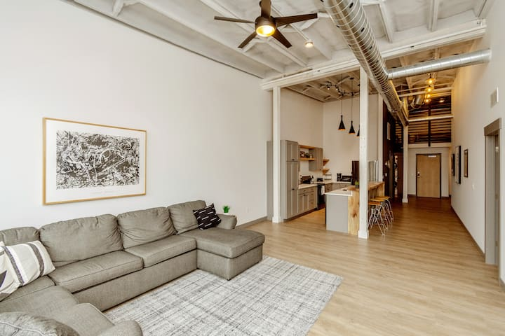 Beautiful Condo in Marion's Uptown District