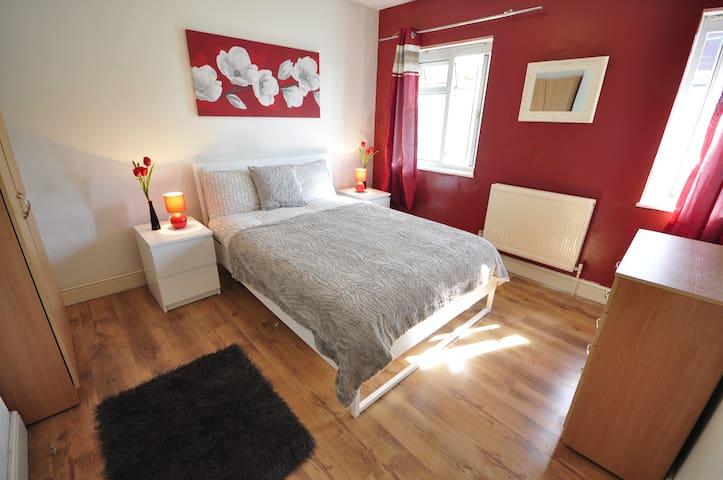 (REN-C)PRIVATE ROOM FOR 2 PPL NEAR VICTORIA PARK - Londres - Departamento