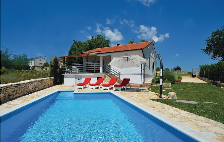 Beautiful home in Kanfanar with WiFi and 2 Bedrooms