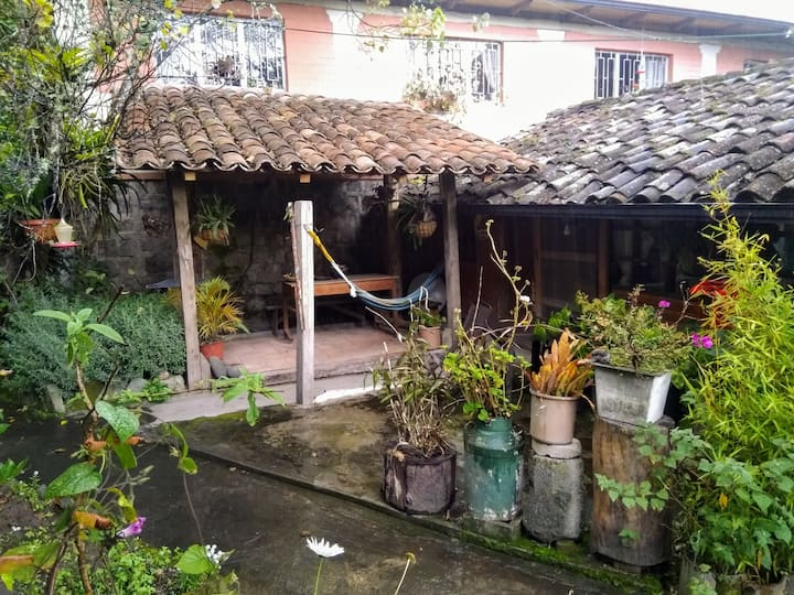 Charming cottage close to the city o Maya
