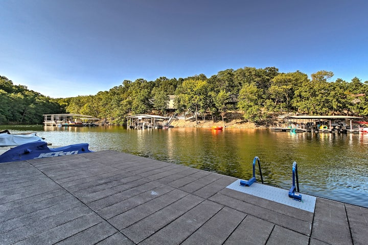 Waterfront Lake Ozark Condo w/ Balcony & Pool