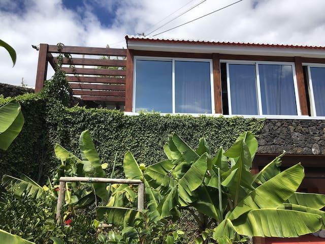 Moradia p/ Férias T1 Zona Caloura - Água de Pau - Huis