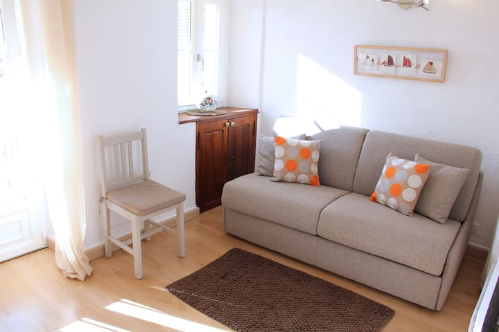1st floor separate lounge with sofa bed