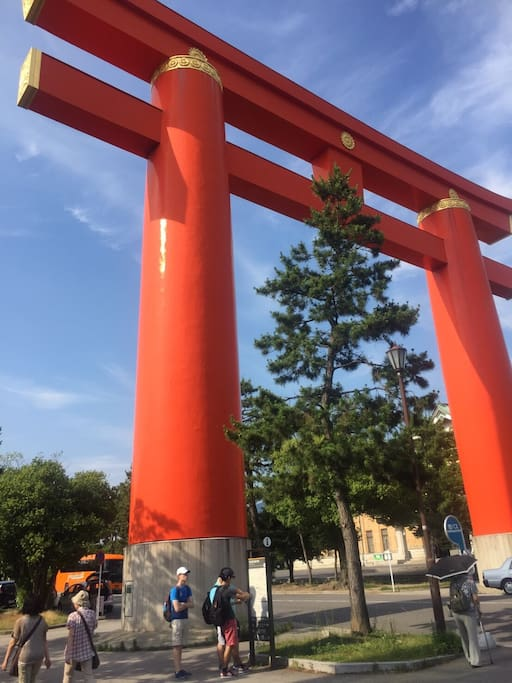 Inari shrine 5min by train