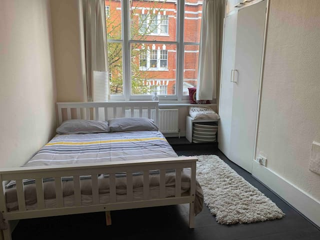 ***Great Location*** Cosy double room in Fitzrovia