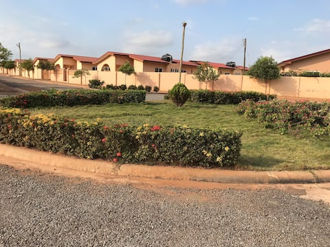 Entire Lovely 2Bedroom House Gated  24Hr Security