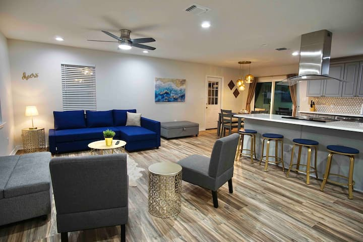 NEW!! Dripping Springs/ATX with EV Charger