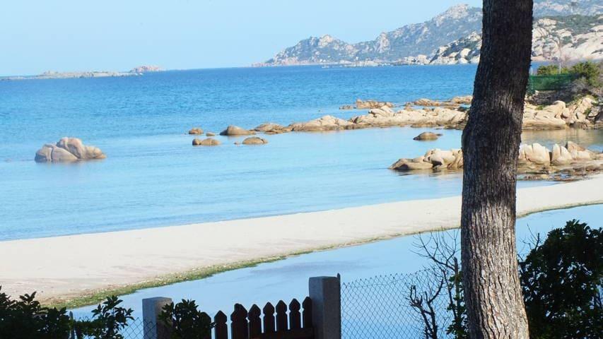 Sul mare vista mozzafiato  villa  Rox- 5 posti - Porto Taverna