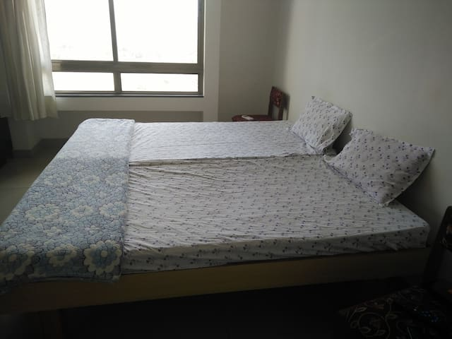 1 BHK Furnished Apartment-Blueridge - Pimpri-Chinchwad - Leilighet