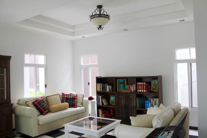 2 Floor Apt., amazing view & exclusive location! - San Pedro Sula - Apartament