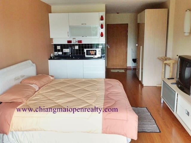 Cosy Clean and Quiet right in town - Chiang Mai - Daire
