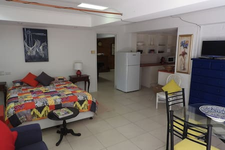 Bright and roomy Apartment central Gold Coast
