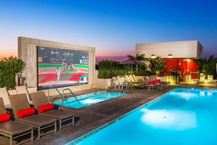 ****Luxury 2B/2Ba Apt:Near Disney Beach & Airport