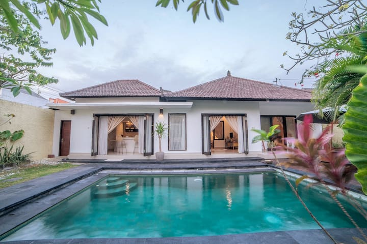HUGE Pool Private 2 BR Villa Luxury and Affordable