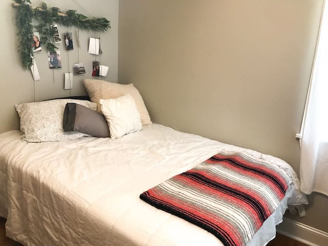 Independent bedroom with full size bed