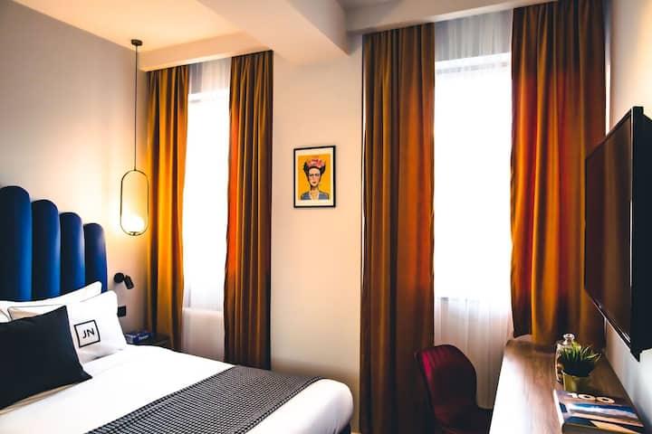 Standard room Queen Bed In Center of Bucharest 401