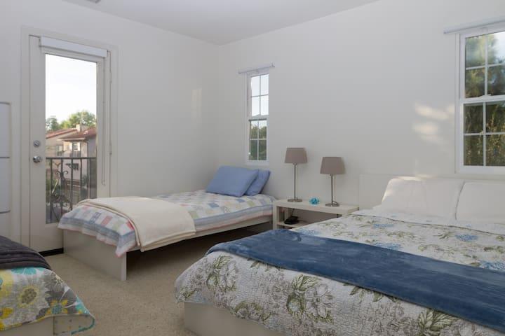 Irvine - Newport Beach  **Private Bedroom/Bath**