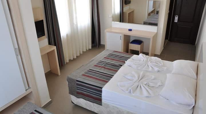 SENZA HOTELS INOVA BEACH STANDART ROOM EXTRA BED