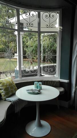 Quiet garden studio in the heart of old Jozi