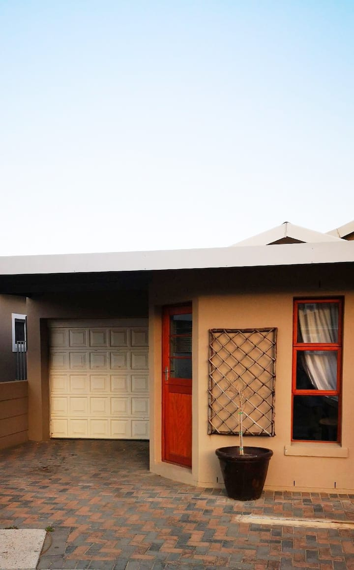 Private Self Catering Unit in Noorder- Paarl