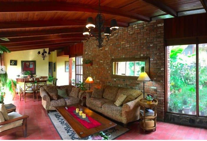 House near Hospital CIMA and Multiplaza Escazu