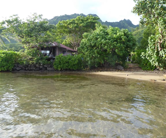 Lagoon front fully equipped private bungalow