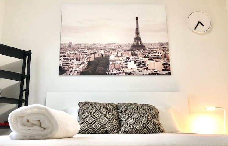 Clean and Relaxing Room Just 15min From Downtown!