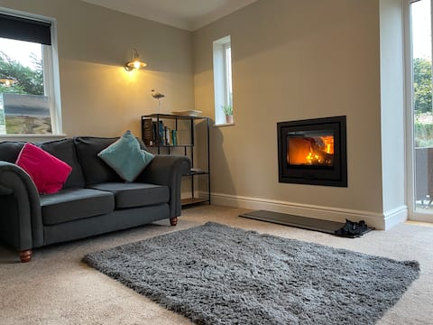 Fab house in prime location with new log burner