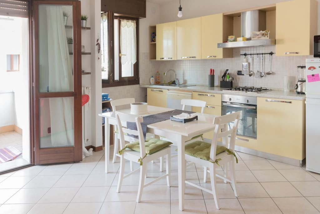 Modena cozy apartment in a nice area appartamenti in for Appartamenti in affitto modena
