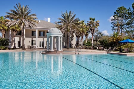 Luxurious 2BR/2BA Villa w/ FREE golf!