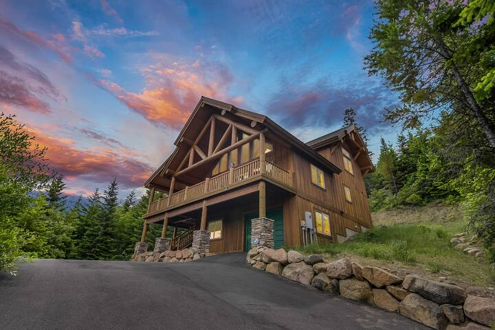 SAVE in APRIL*Private Log Cabin w/ STUNNING Views_Hot Tub_Game Rm_NR Suncadia
