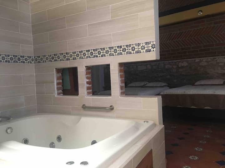 Hotel Xi'ui Alaquines con alberca- Hab c/Jacuzzi