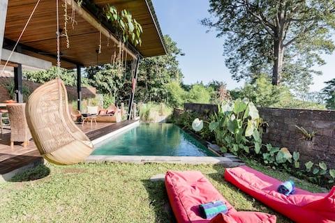 Villa con vista al mar y piscina infinita acristalada