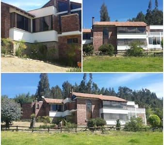 Disfruta Boyacá en Amplia, linda ,Casa Campestre .