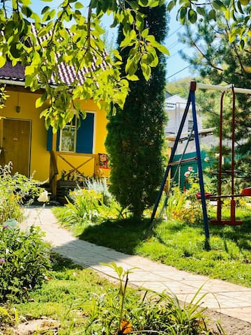 Authentic country house (Dacha)