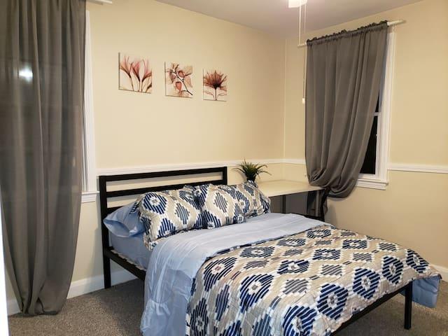 Fl 2 cozy full room L for student intern resident
