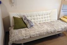 195㎝の広々ソファーベッド 195 cm spacious sofa bed
