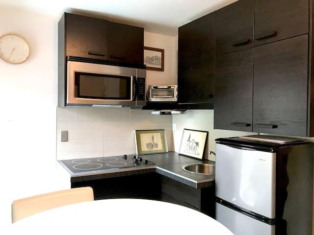 An Architect's Guesthouse, The Audrey Suite