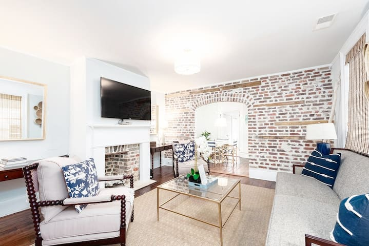 ★ The Inns at 71 Spring – Beautiful 3 BR / 2 BA ★
