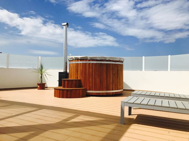 Duplex |Ap. - roof terrace - hot tub  - 4 guests