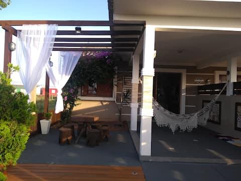 Casa independente  com piscina na  Interpraias