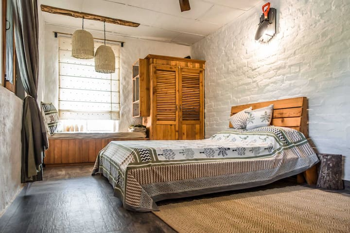 High on Bir, self-catering homestay with a 'whew'